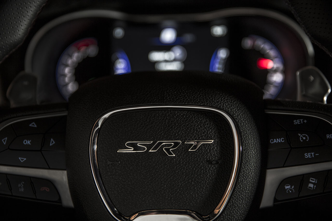 2015 Jeep Grand Cherokee SRT – steering wheel with center SRT