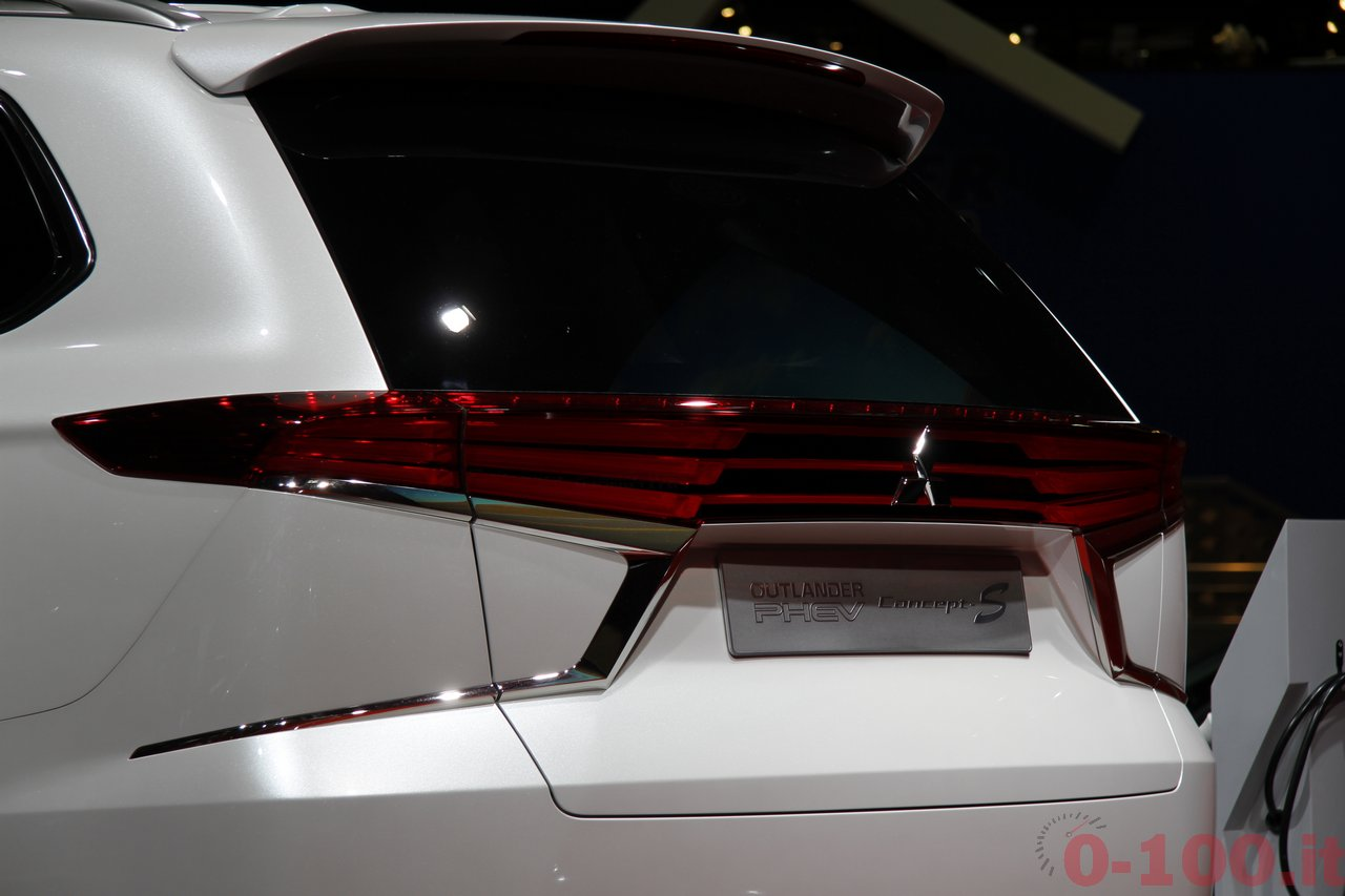 parigi-paris-2014-mitsubishi-outlander-PHEV-concept-s-100_20