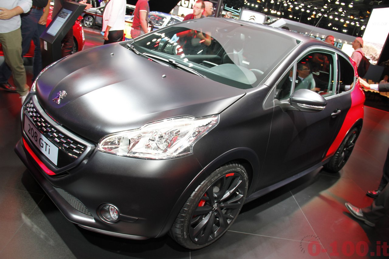 salone-parigi-paris-autoshow-2014-peugeot-208-gti-30th_1
