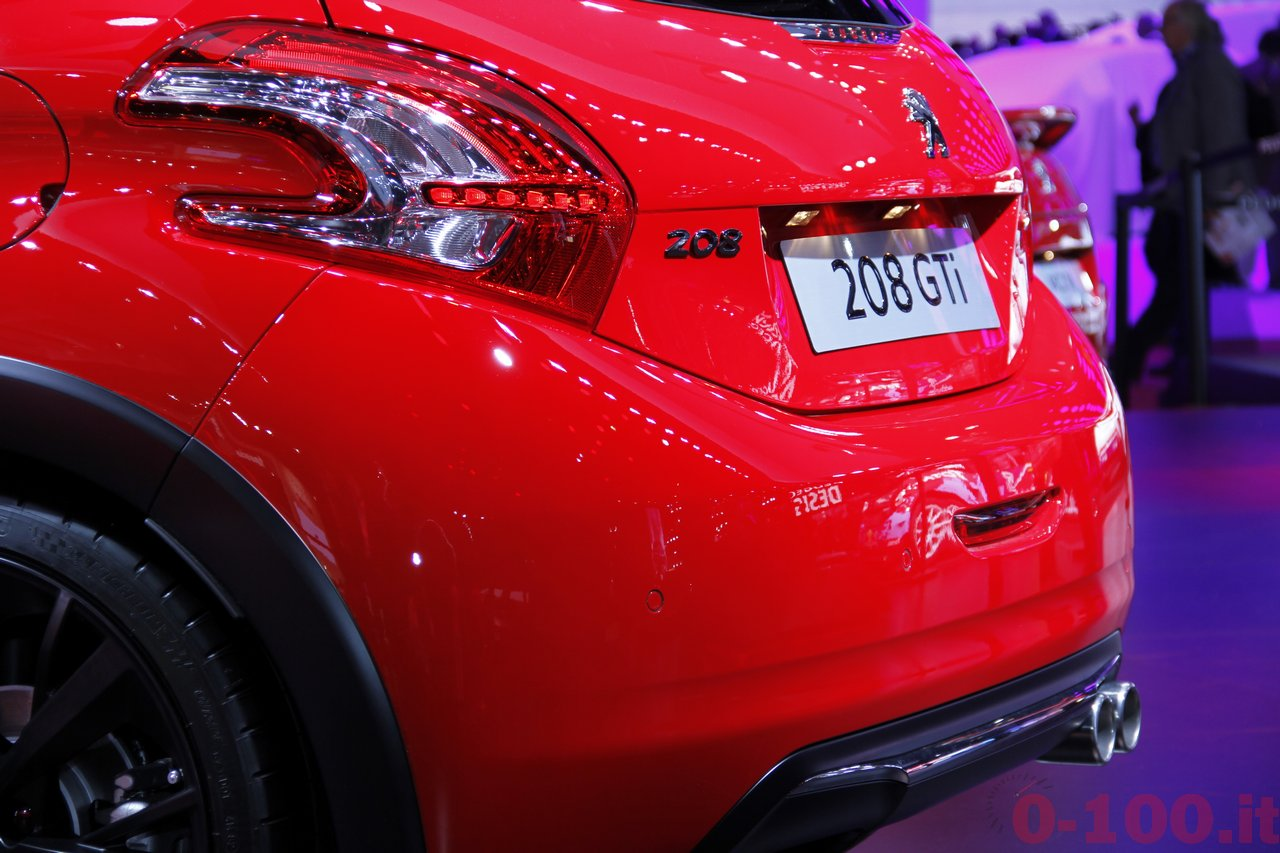 salone-parigi-paris-autoshow-2014-peugeot-208-gti-30th_8