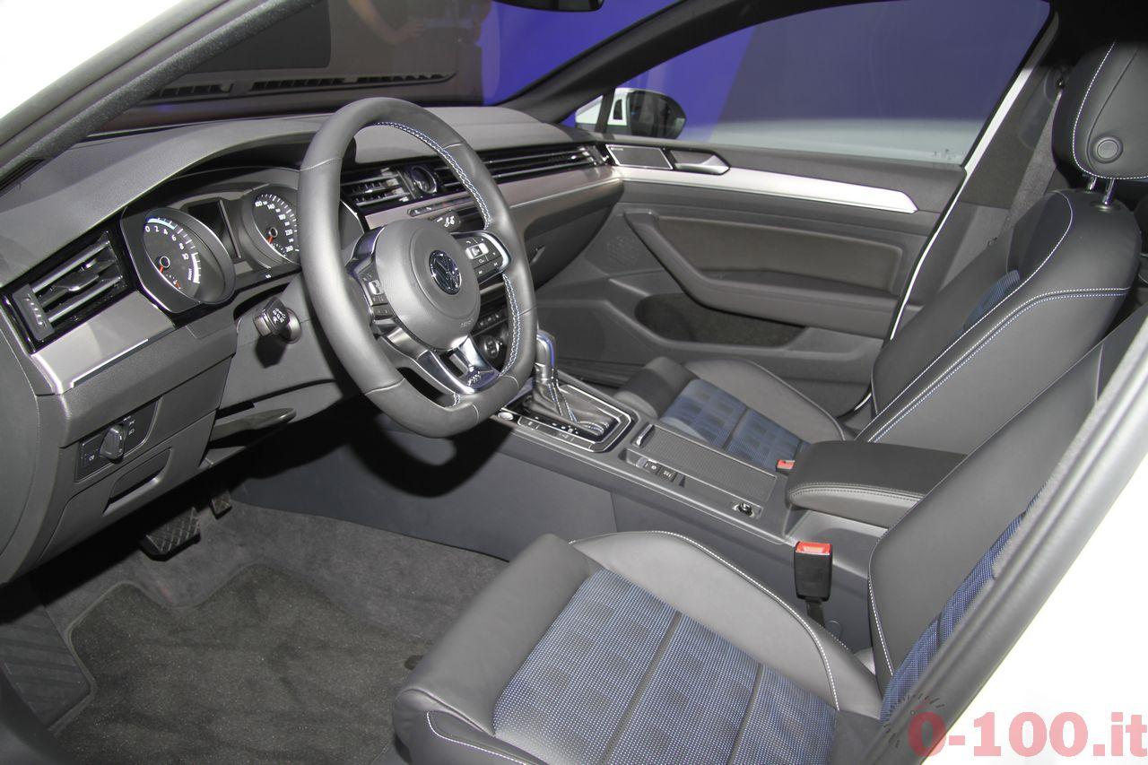 salone-parigi-paris-autoshow-2014-volkswagen-passat-variant-GTE-2015-0-100_11