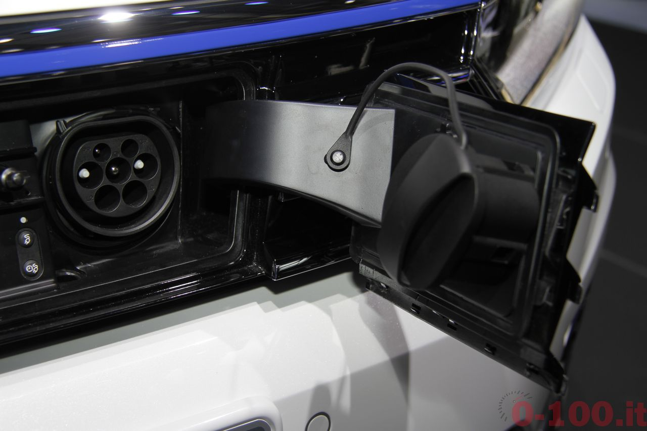 salone-parigi-paris-autoshow-2014-volkswagen-passat-variant-GTE-2015-0-100_4