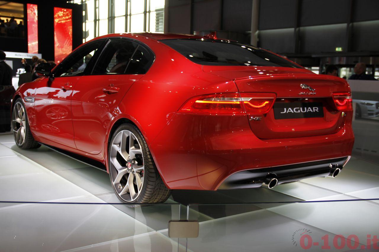 salone-parigi-paris-autoshow-jaguar-xe-f-type_0-100_6