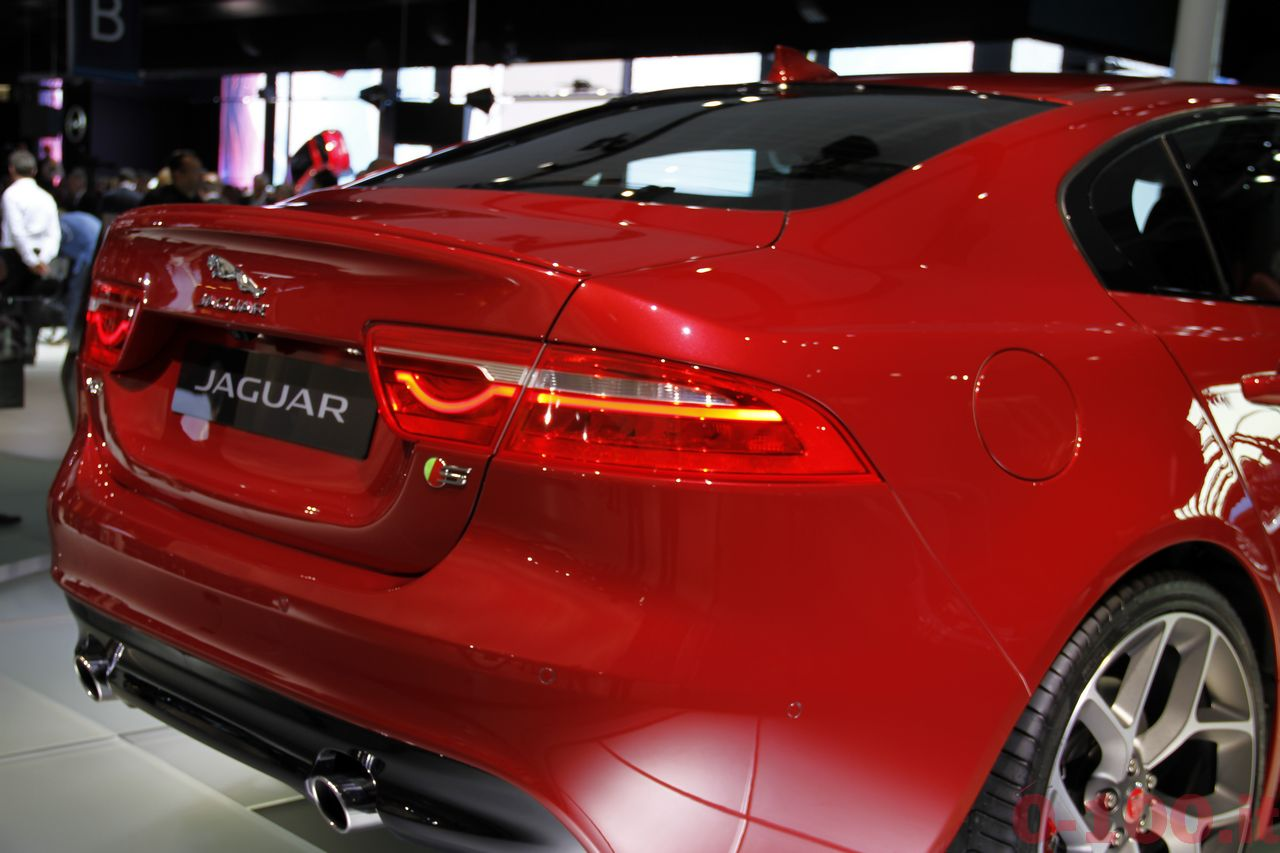 salone-parigi-paris-autoshow-jaguar-xe-f-type_0-100_8