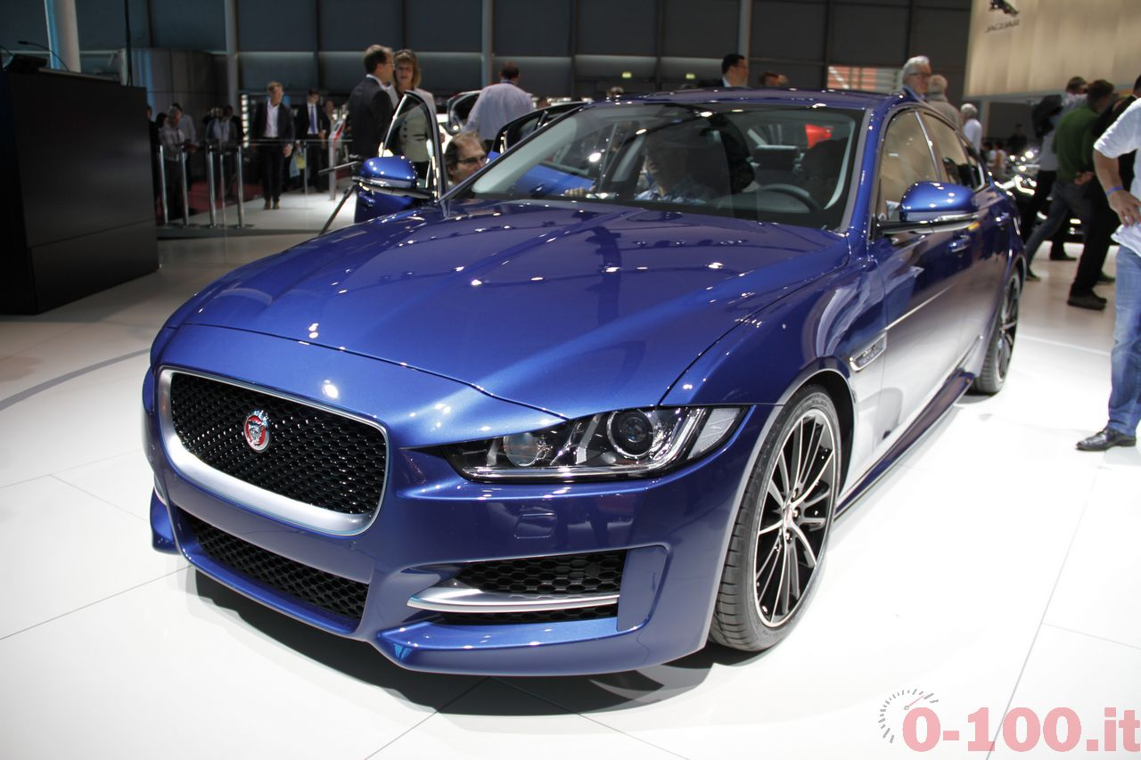 salone-parigi-paris-autoshow-jaguar-xe-f-type_0-100_9