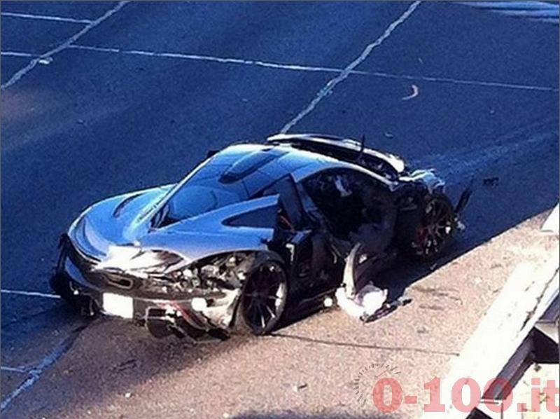 mclaren-p1-accident-dallas-wreched-incidente-0-100_2
