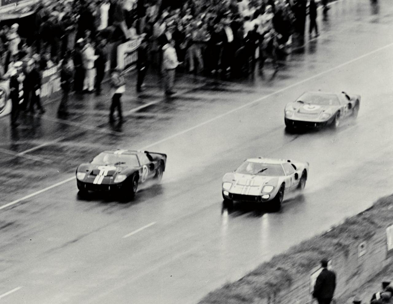 FORD-gt40-24-le-mans-1966-0-100_1