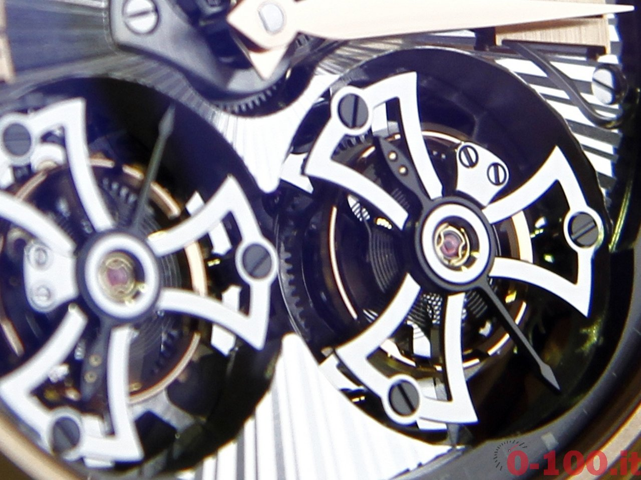roger-dubuis-hommage-double-flying-tourbillon-0-100_24