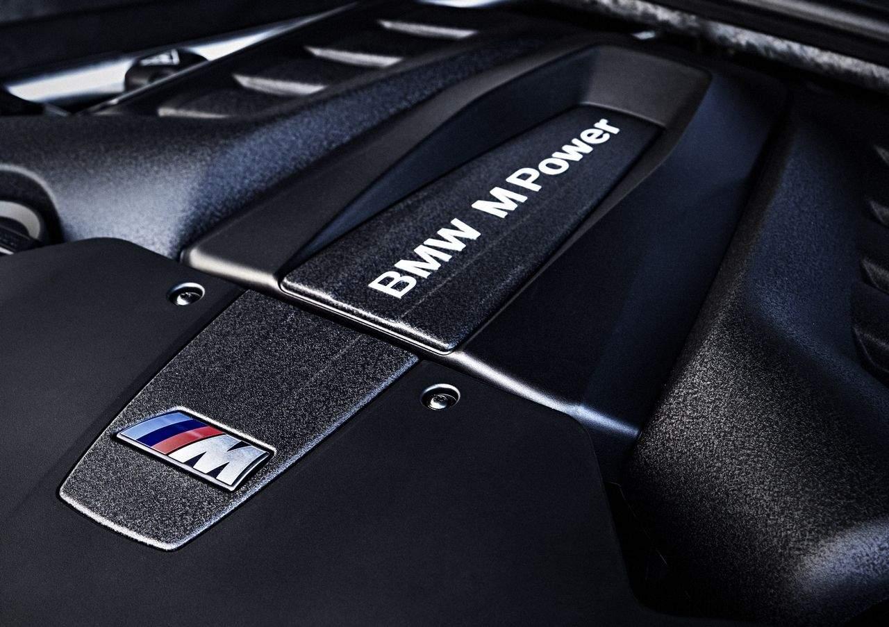 BMW-X5-M-2015_0-100_17