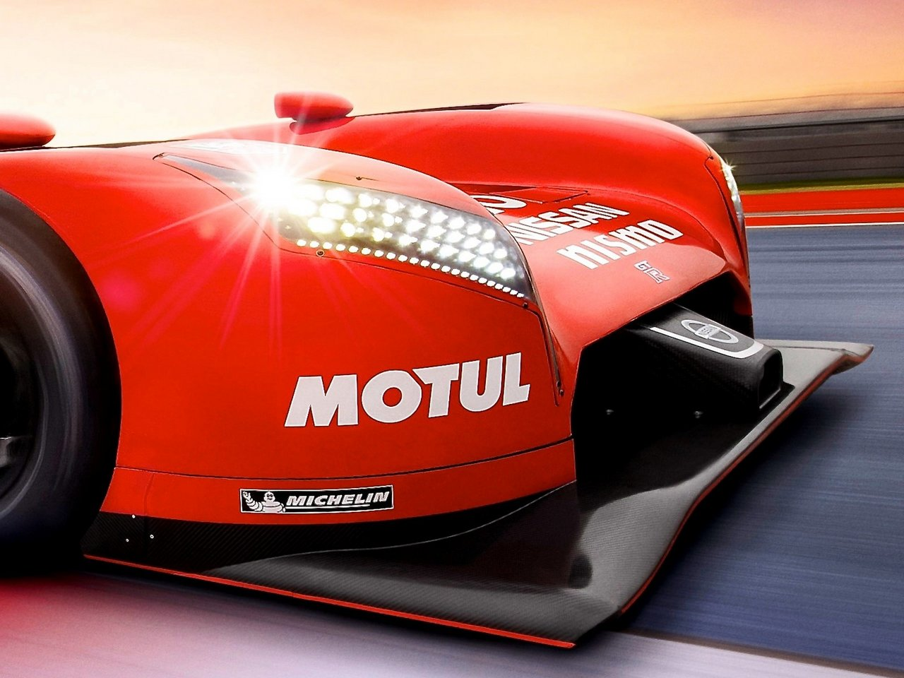 nissan-gt-r_lm-nismo-le-mans-2015-world-endurance-racing-hybrid-0-100_11
