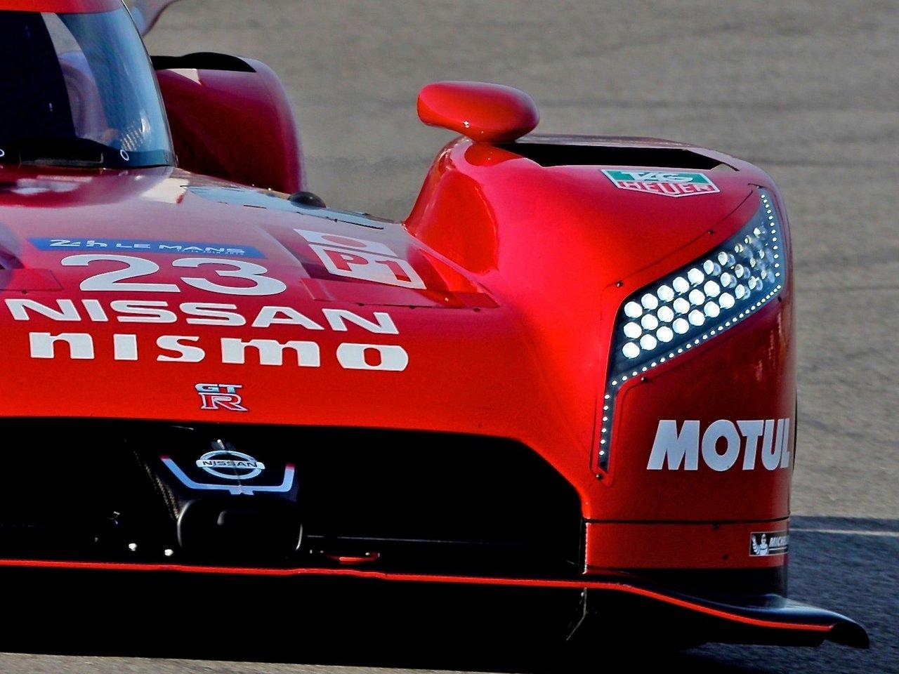 nissan-gt-r_lm-nismo-le-mans-2015-world-endurance-racing-hybrid-0-100_12