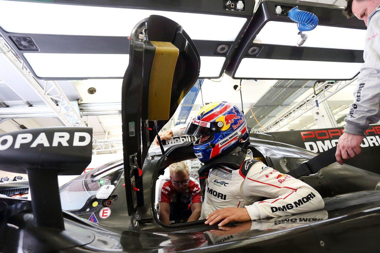 2015 Porsche 919 Hybrid, Porsche Team: Mark Webber