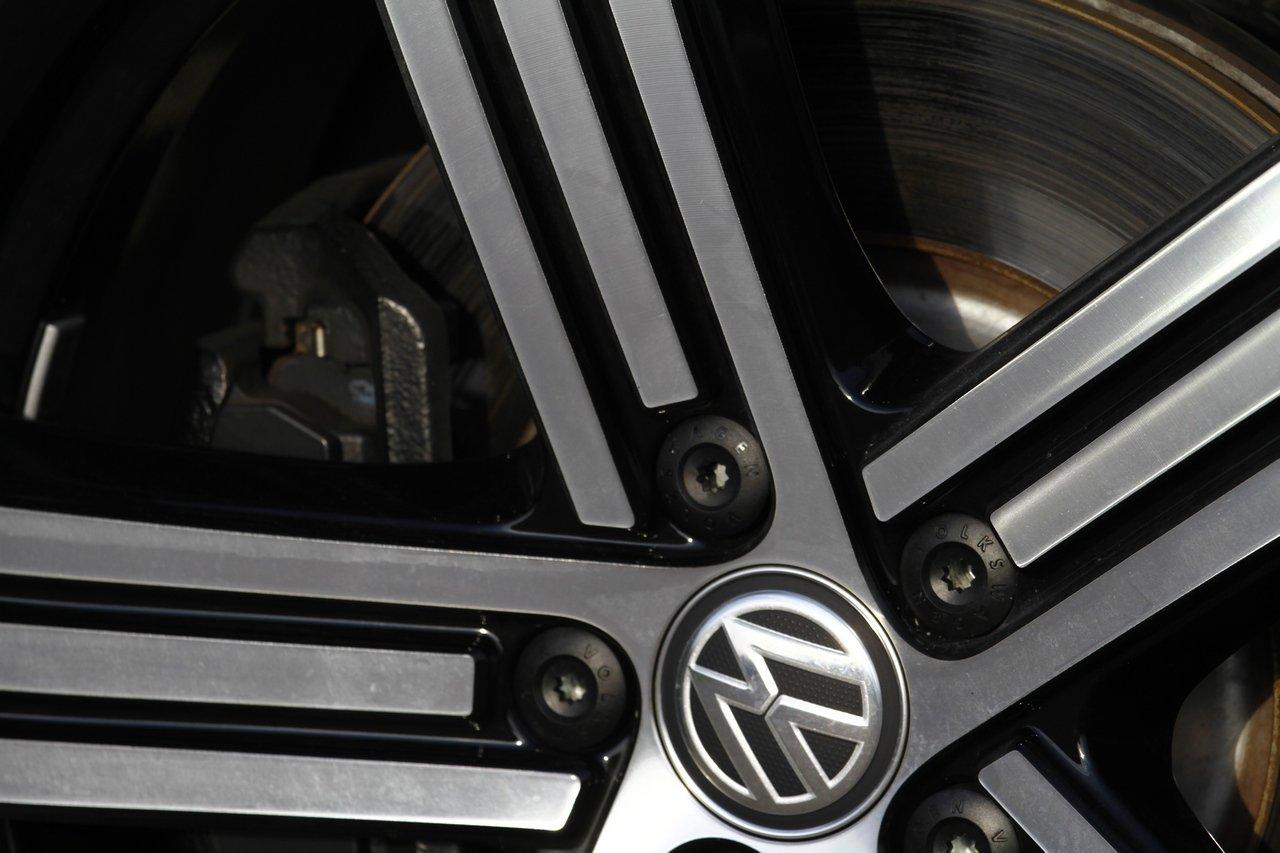 volkswagen-golf-r-0-100-test-drive-prezzo-price-drive-impressions_13
