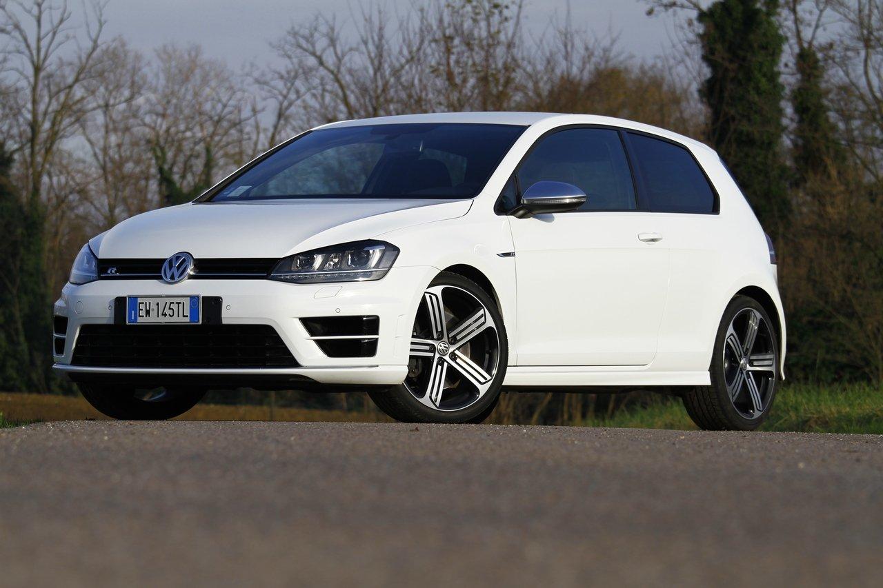 volkswagen-golf-r-0-100-test-drive-prezzo-price-drive-impressions_2