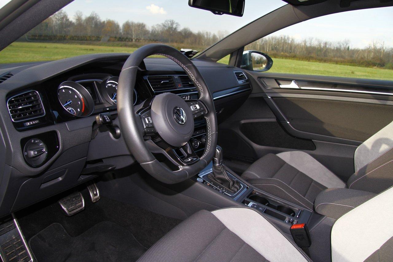 volkswagen-golf-r-0-100-test-drive-prezzo-price-drive-impressions_20