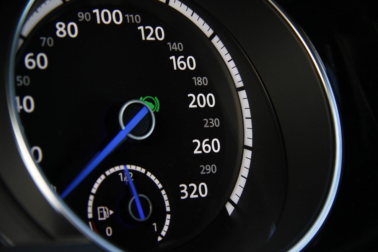 volkswagen-golf-r-0-100-test-drive-prezzo-price-drive-impressions_24