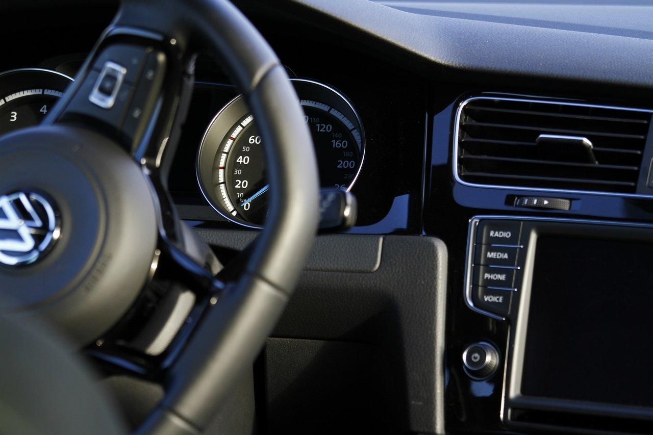 volkswagen-golf-r-0-100-test-drive-prezzo-price-drive-impressions_28