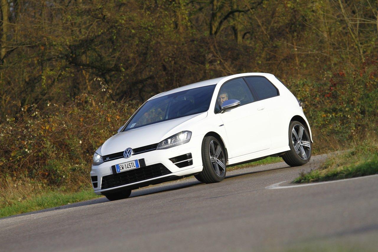 volkswagen-golf-r-0-100-test-drive-prezzo-price-drive-impressions_34