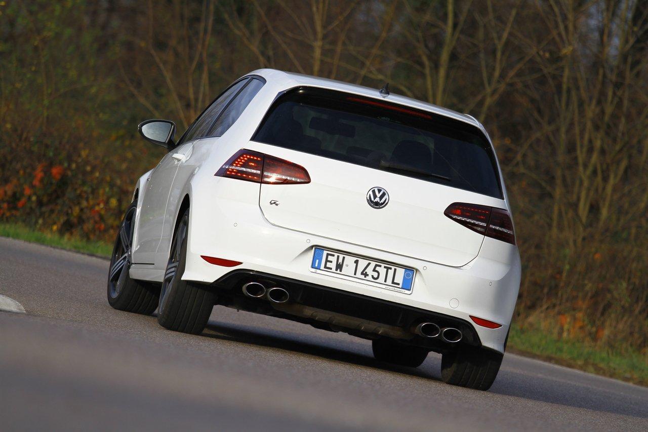 volkswagen-golf-r-0-100-test-drive-prezzo-price-drive-impressions_38