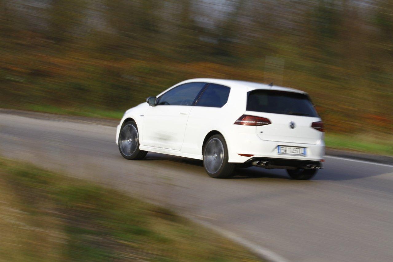 volkswagen-golf-r-0-100-test-drive-prezzo-price-drive-impressions_39