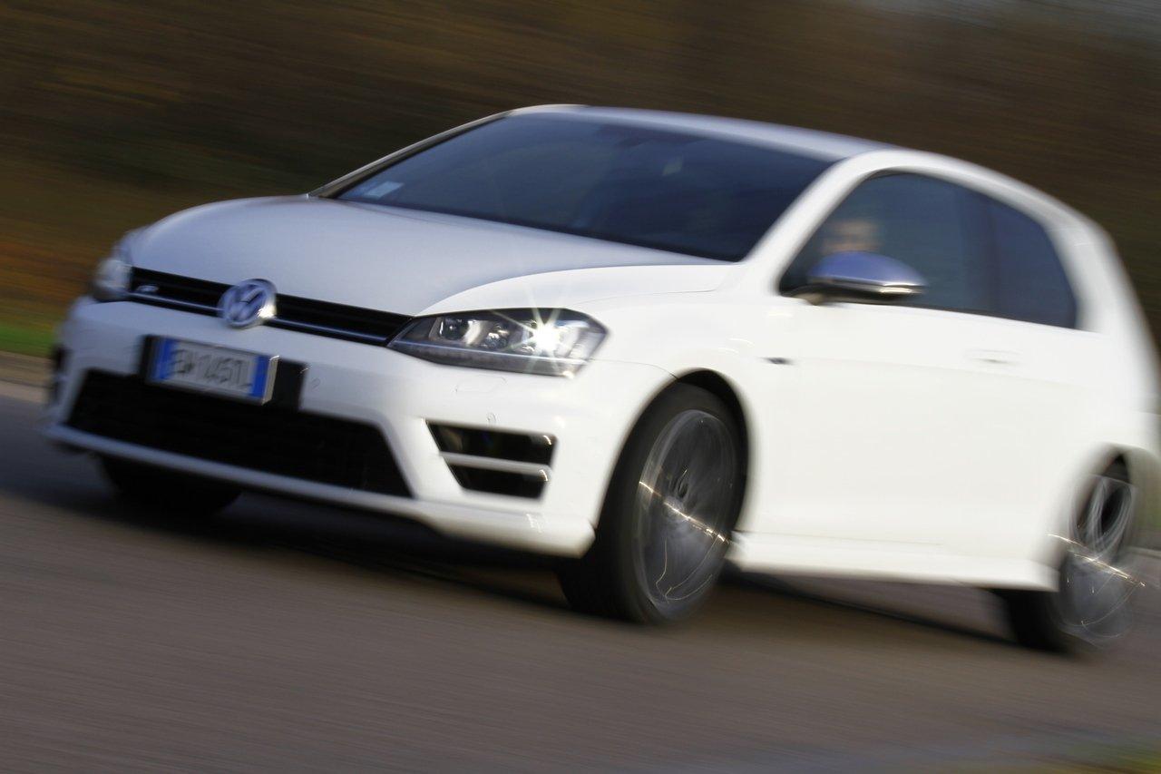 volkswagen-golf-r-0-100-test-drive-prezzo-price-drive-impressions_40