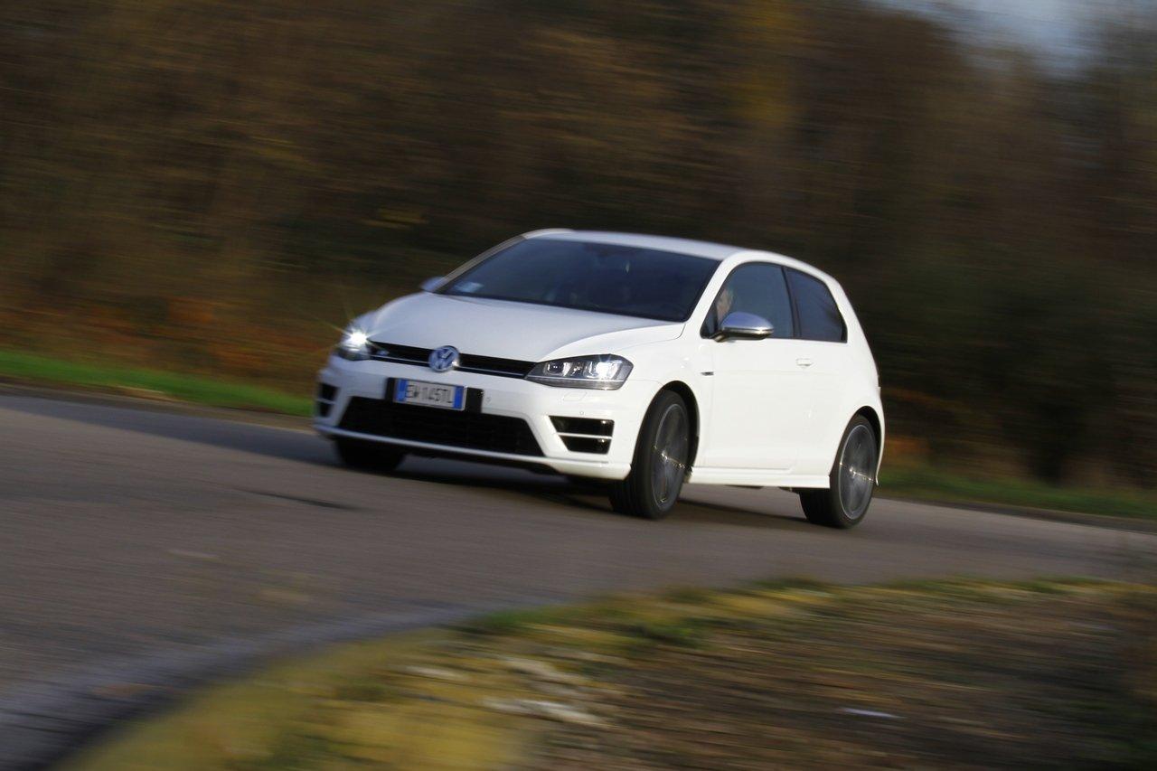 volkswagen-golf-r-0-100-test-drive-prezzo-price-drive-impressions_42