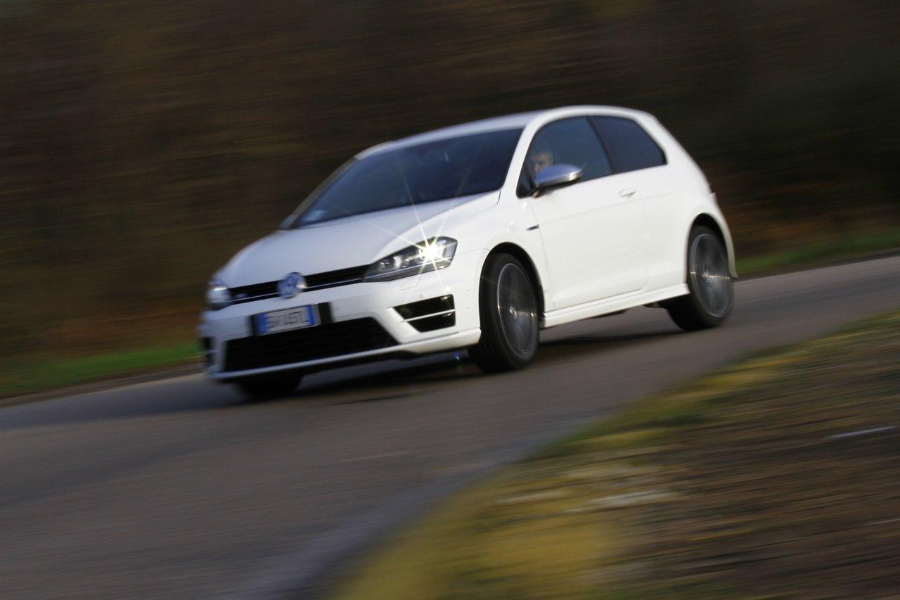 volkswagen-golf-r-0-100-test-drive-prezzo-price-drive-impressions_43