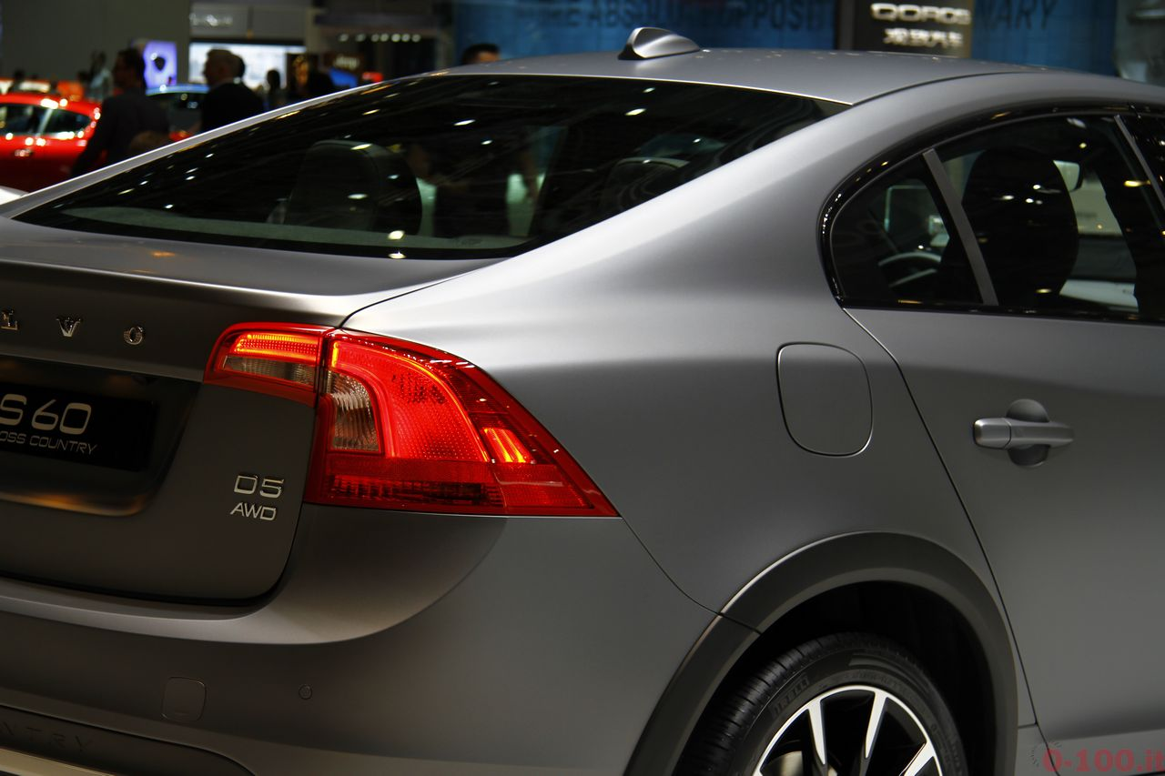 ginevra-geneva-2015-volvo-s60-v60-cross-country-0-100_8