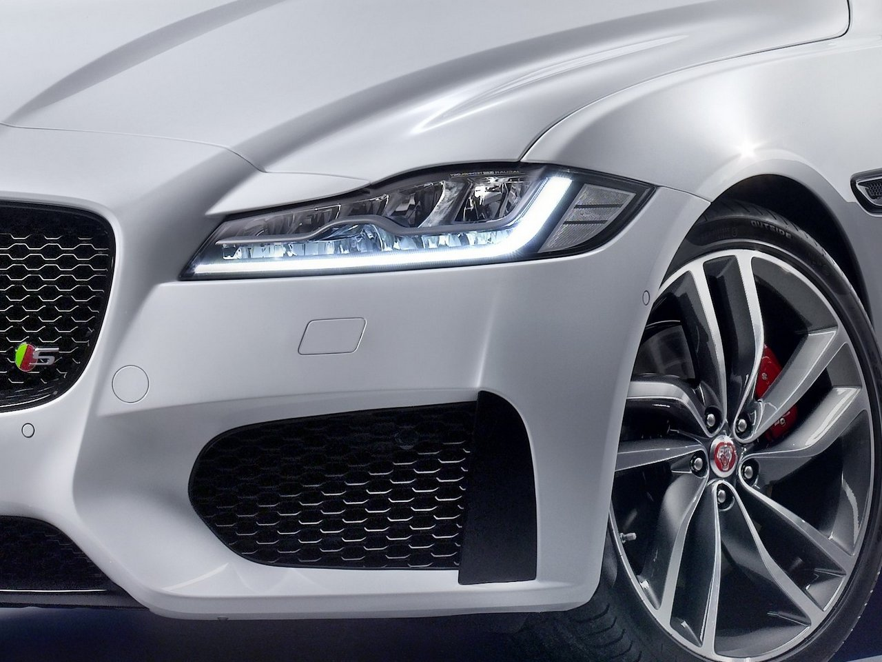 jaguar-xf-2015-prezzo_0-100_20