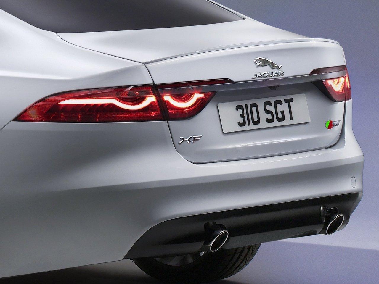jaguar-xf-2015-prezzo_0-100_21
