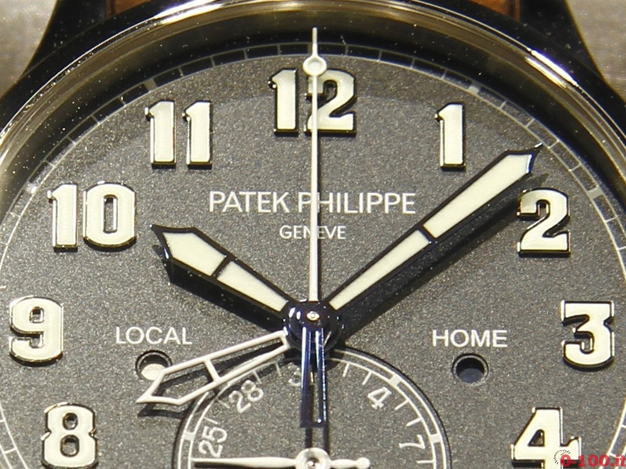 baselworld-2015-patek-philippe-calatrava-pilot-travel-time-0-100_5