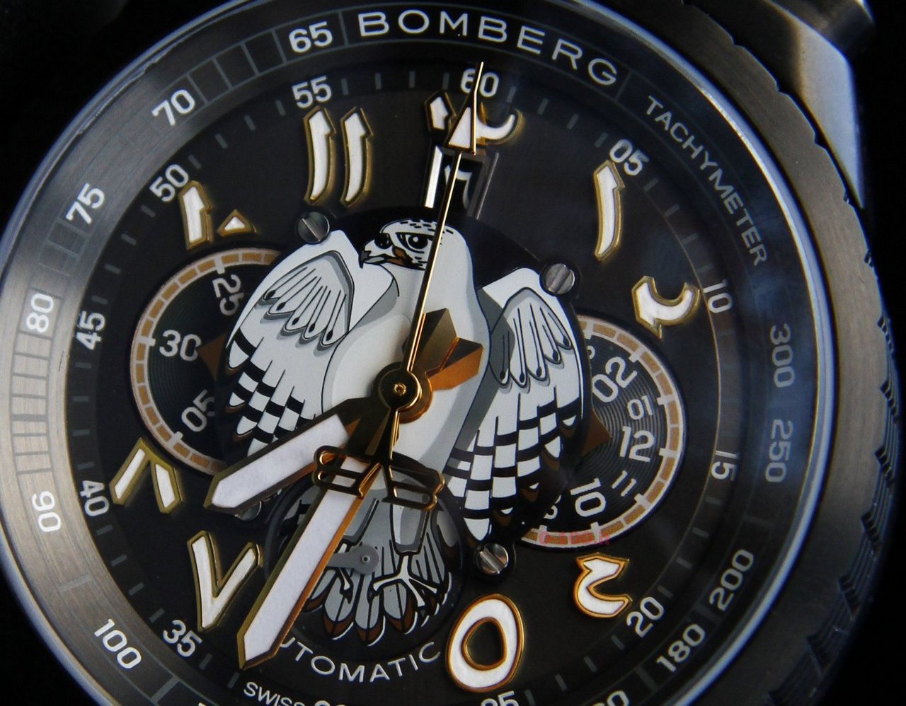 baselworld-2015_bomberg-bolt-68-falcon-chronograph_0-100-8