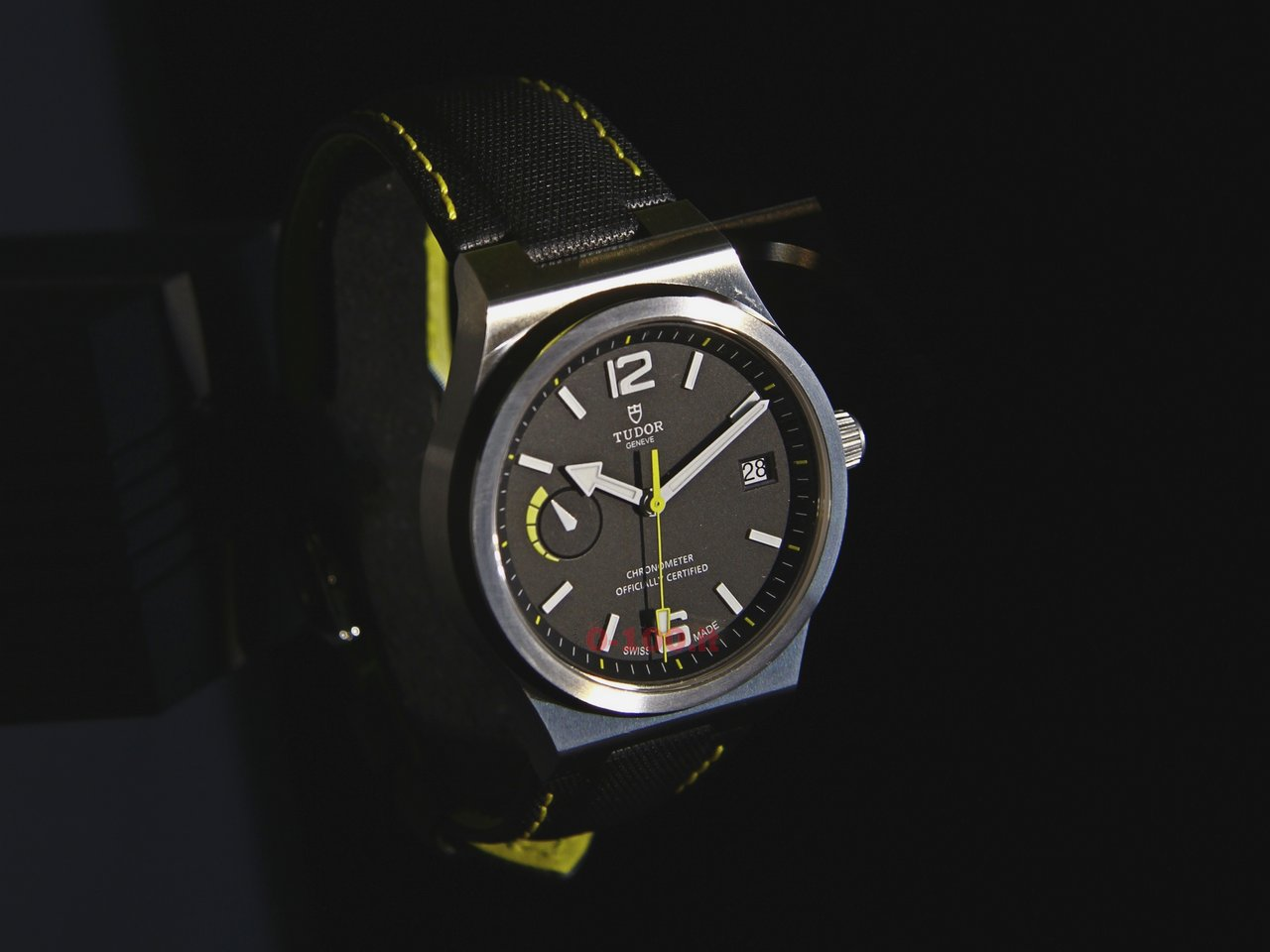 baselworld-2015_tudor-north-flag-0-100-1