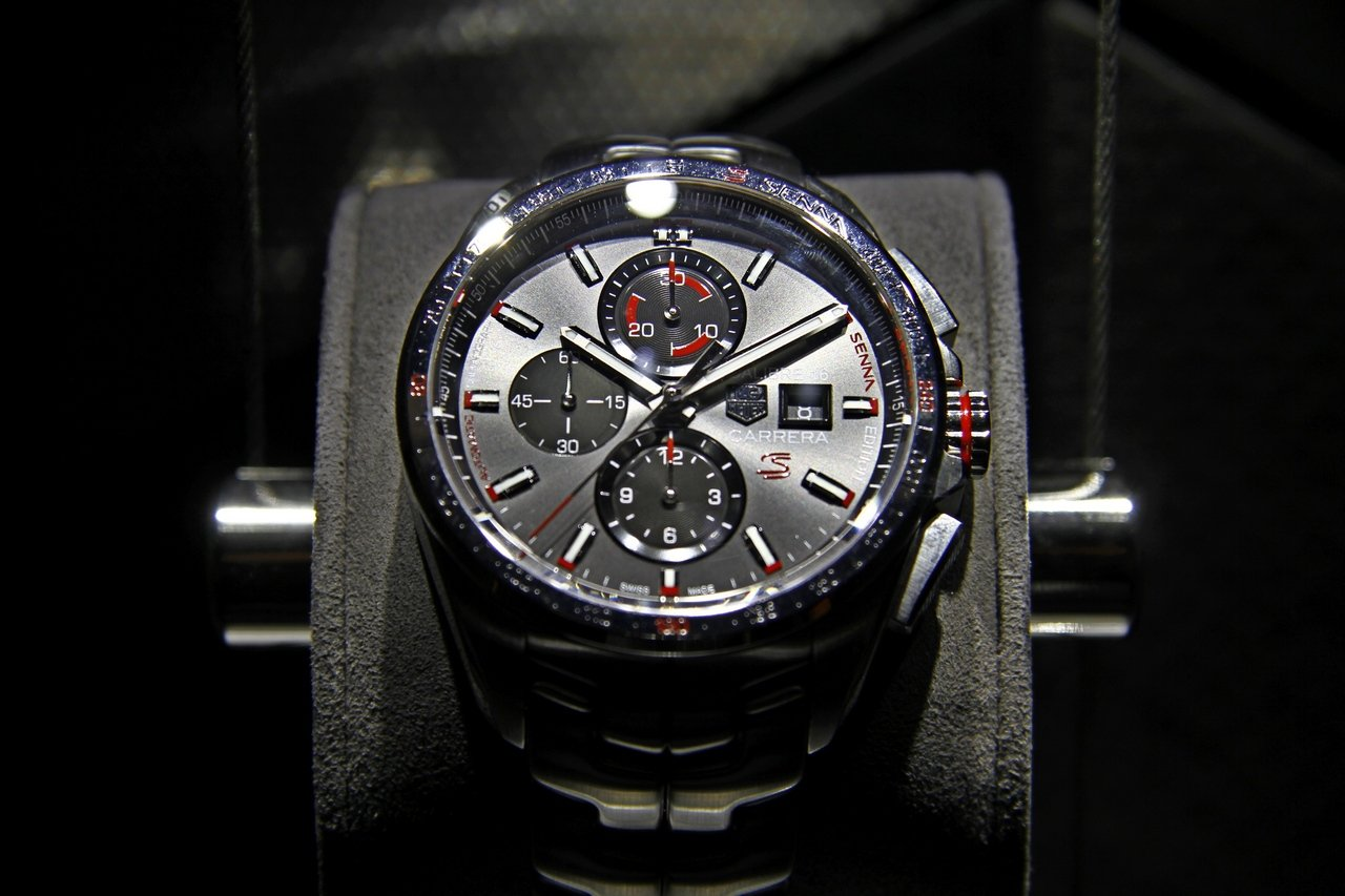 baselworld_2015-tag-heuer-calibre-16-chronograph-special-edition-senna-0-100_1