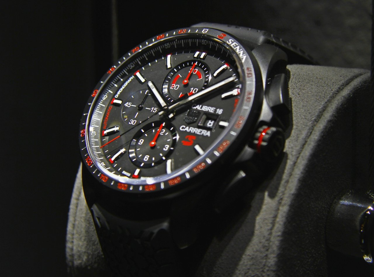baselworld_2015-tag-heuer-calibre-16-chronograph-special-edition-senna-0-100_4