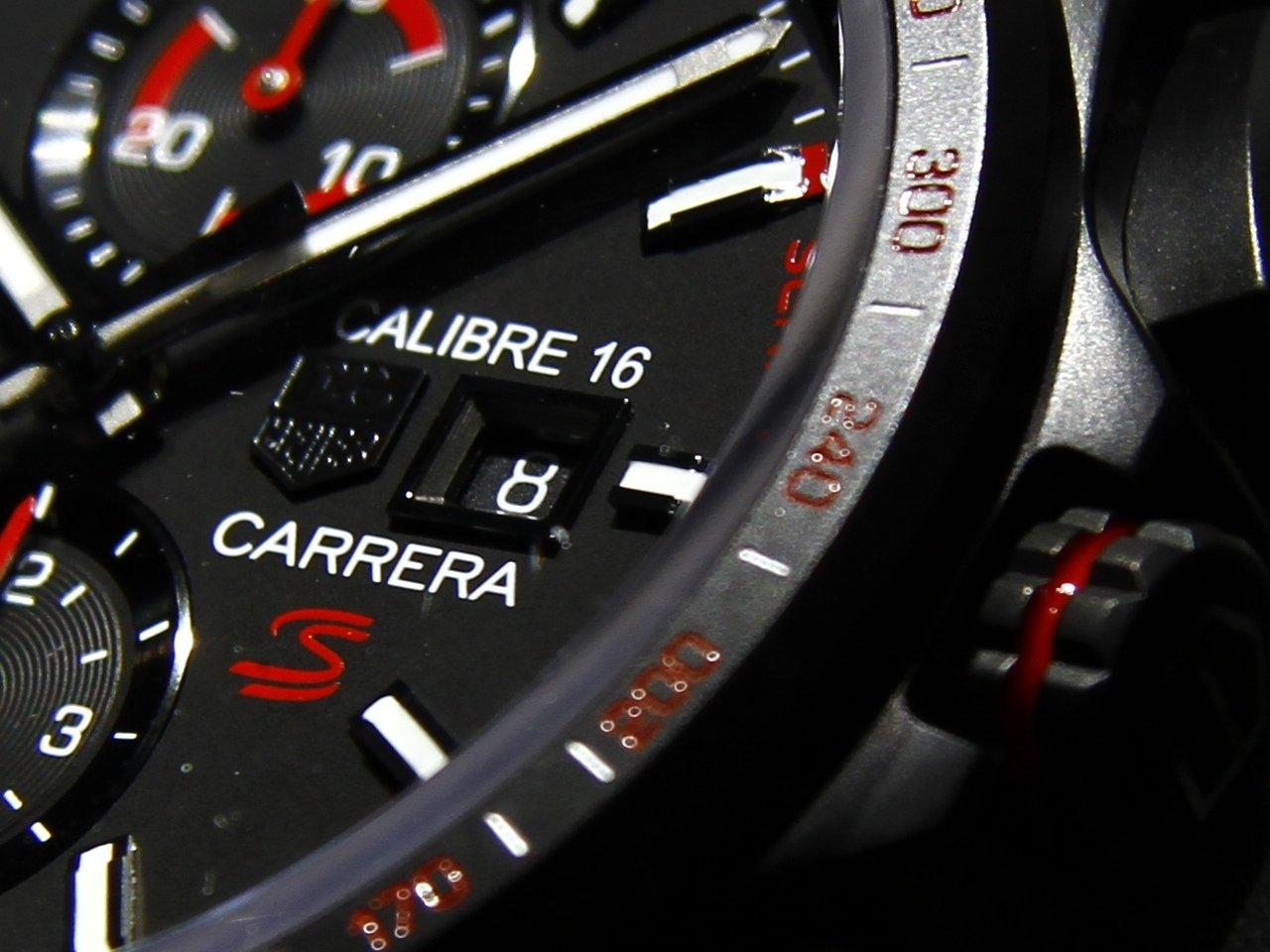 baselworld_2015-tag-heuer-calibre-16-chronograph-special-edition-senna-0-100_6
