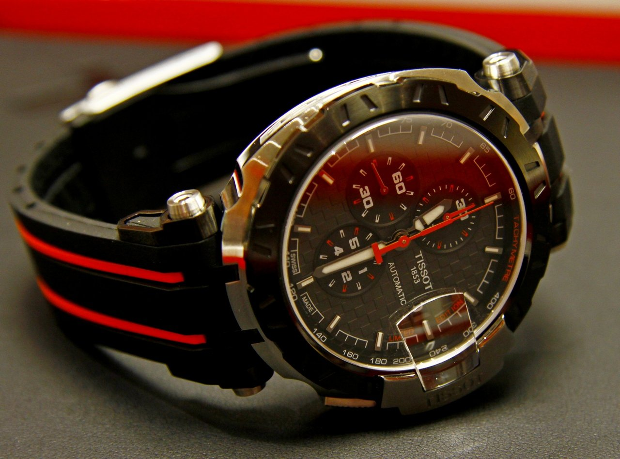 baseworld-2015-tissot-T-Race-Moto-GP-Automatic-Limited-Edition_1