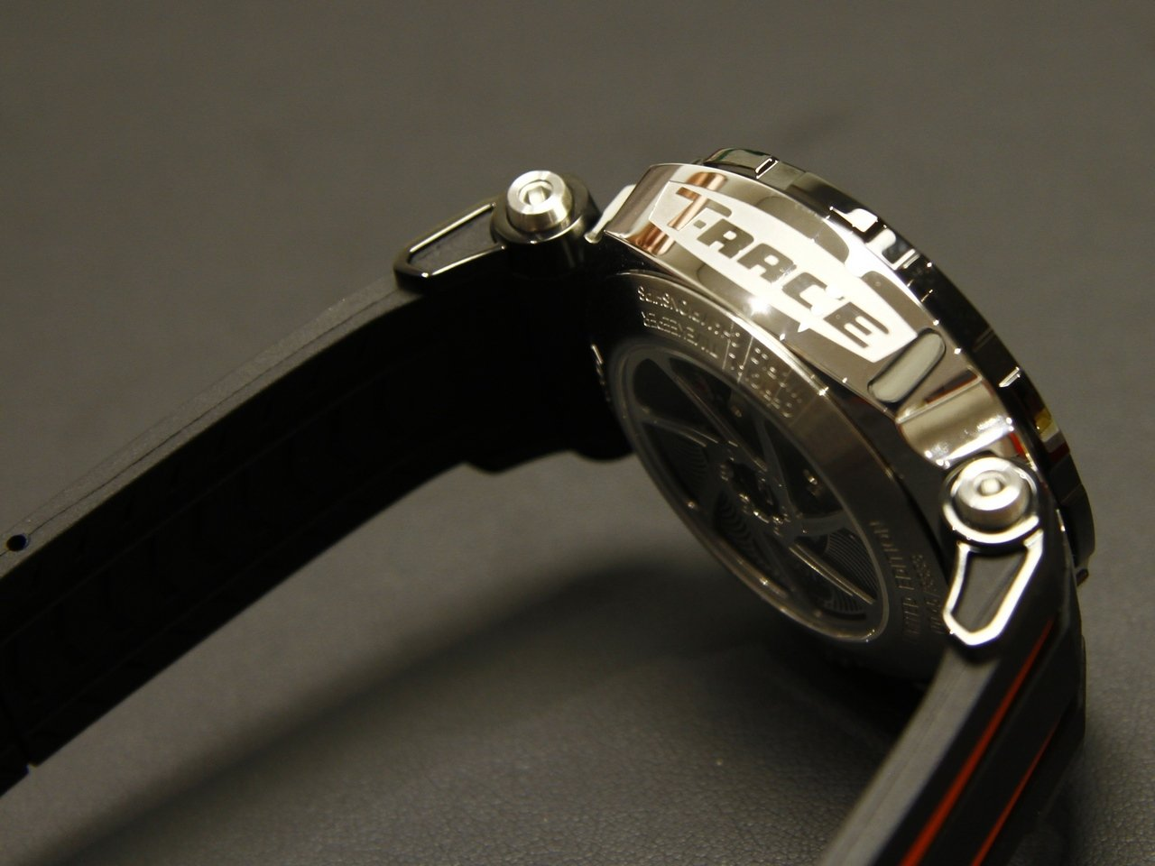 baseworld-2015-tissot-T-Race-Moto-GP-Automatic-Limited-Edition_4