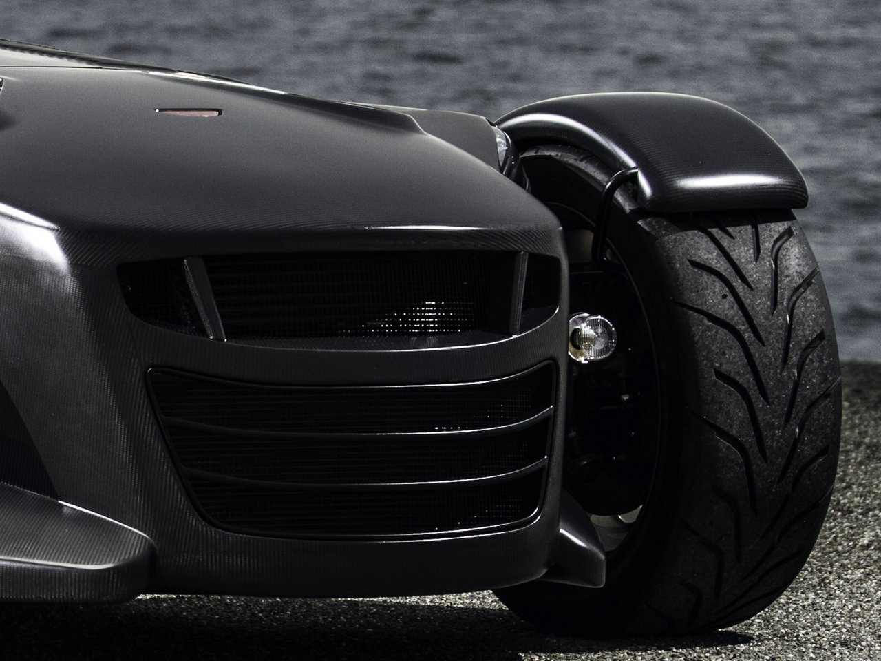 donkervoort-d8-gto-bare-naked-carbon-edition_0-100-13
