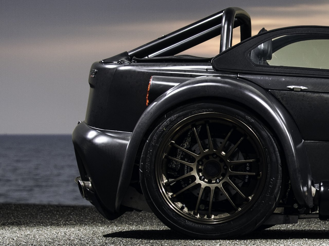 donkervoort-d8-gto-bare-naked-carbon-edition_0-100-15