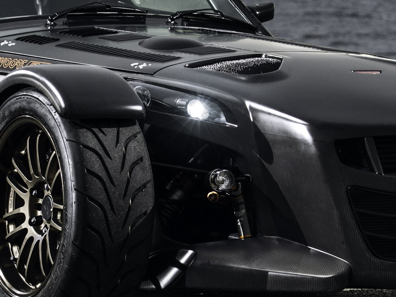 donkervoort-d8-gto-bare-naked-carbon-edition_0-100-5