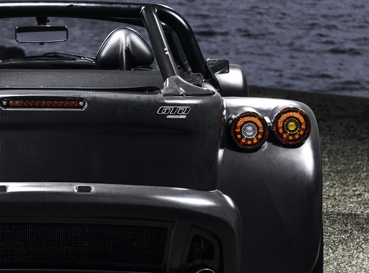donkervoort-d8-gto-bare-naked-carbon-edition_0-100-7