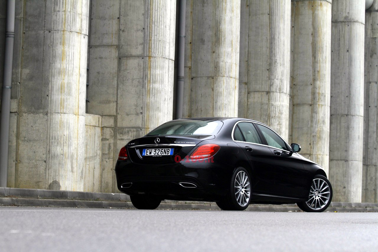 test-drive-mercedes-c300-bluetec-hybrid-automatic-prezzo-price-0-100-5