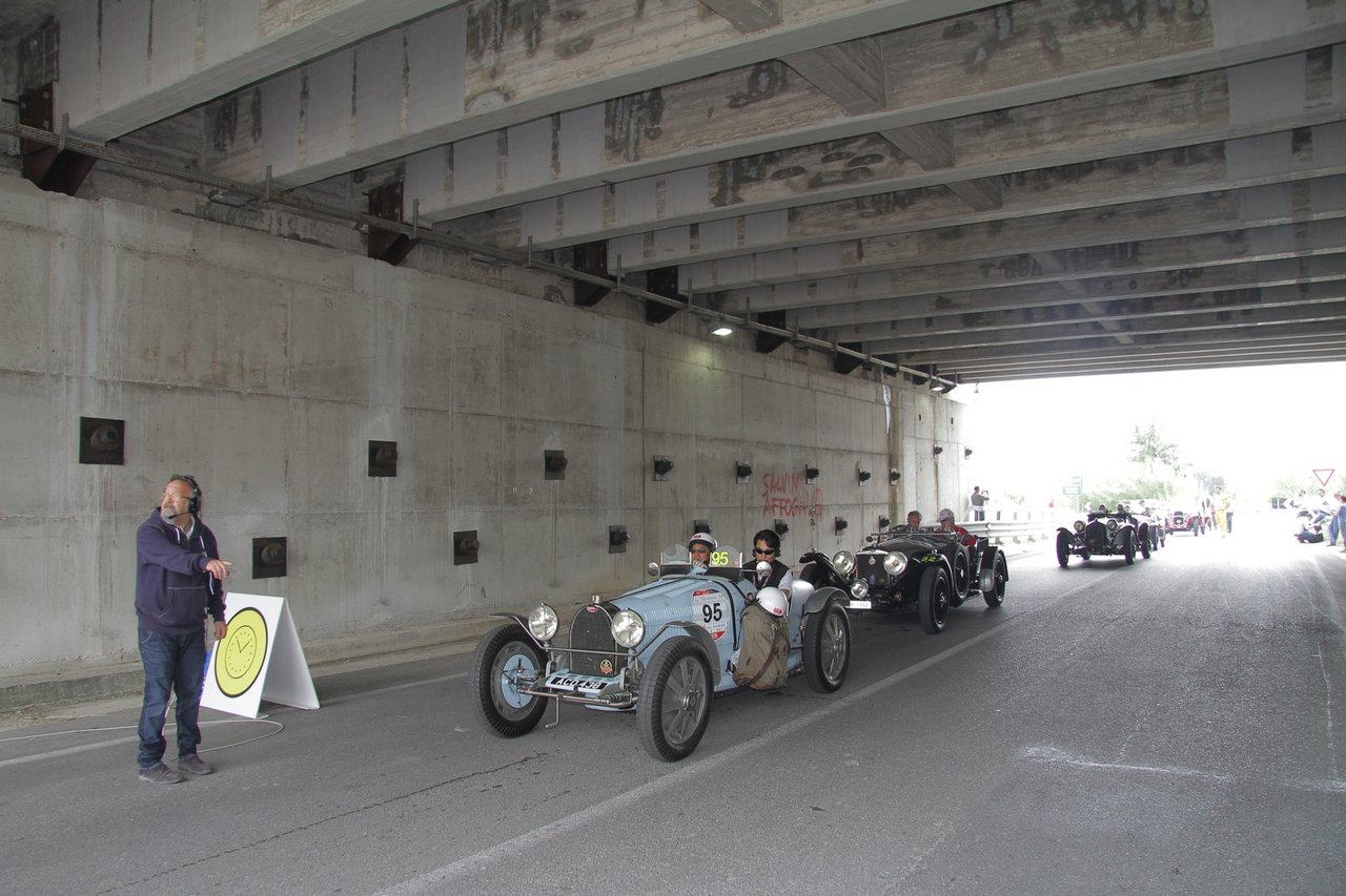 1000-mille-miglia-2015-section-2-tappa-0-100-23