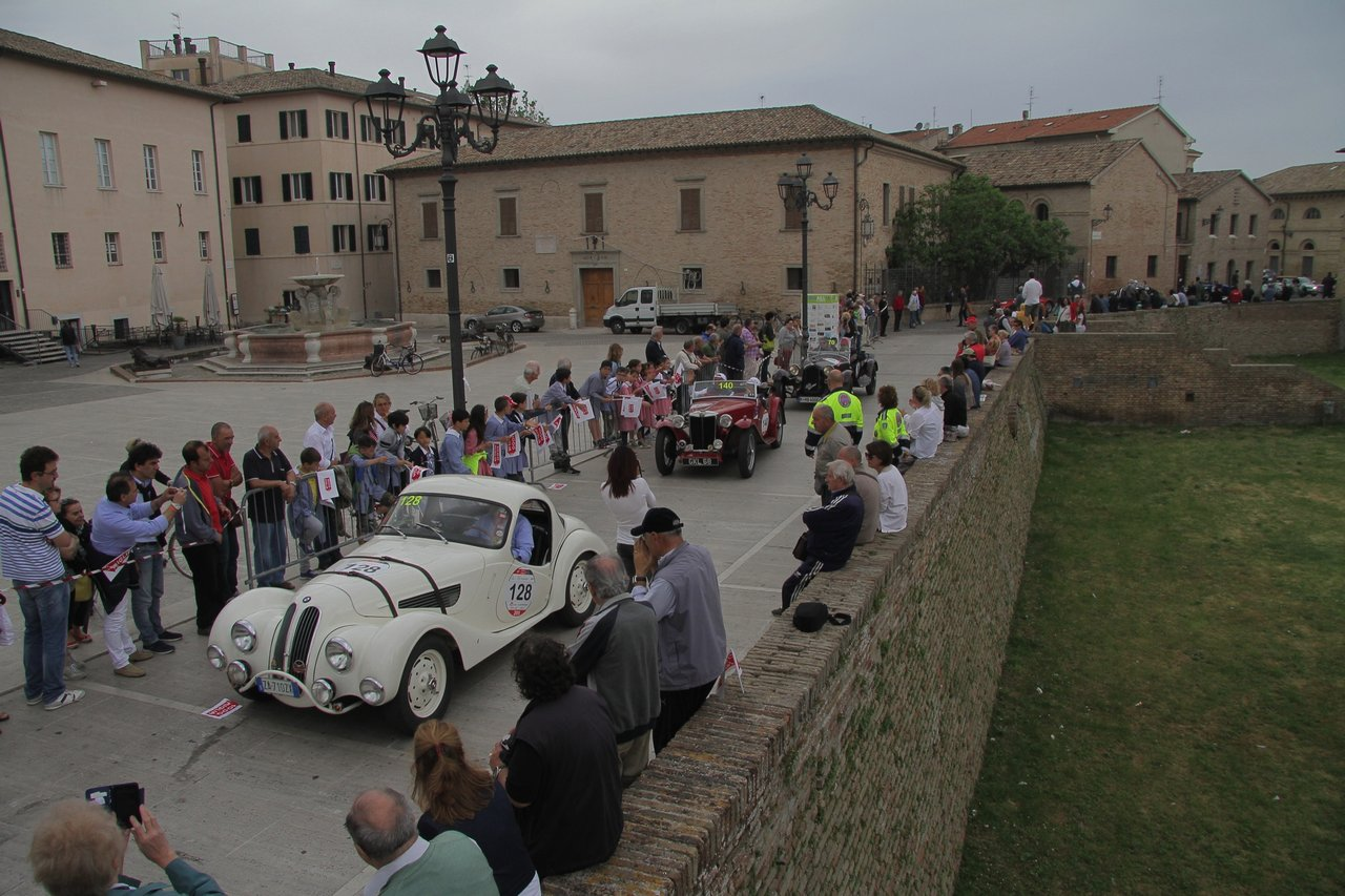 1000-mille-miglia-2015-section-2-tappa-0-100-26