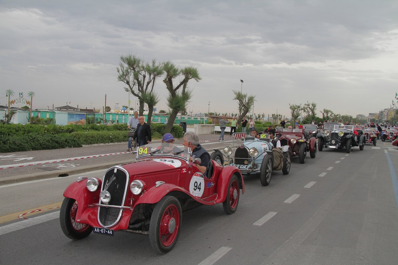 1000-mille-miglia-2015-section-2-tappa-0-100-3