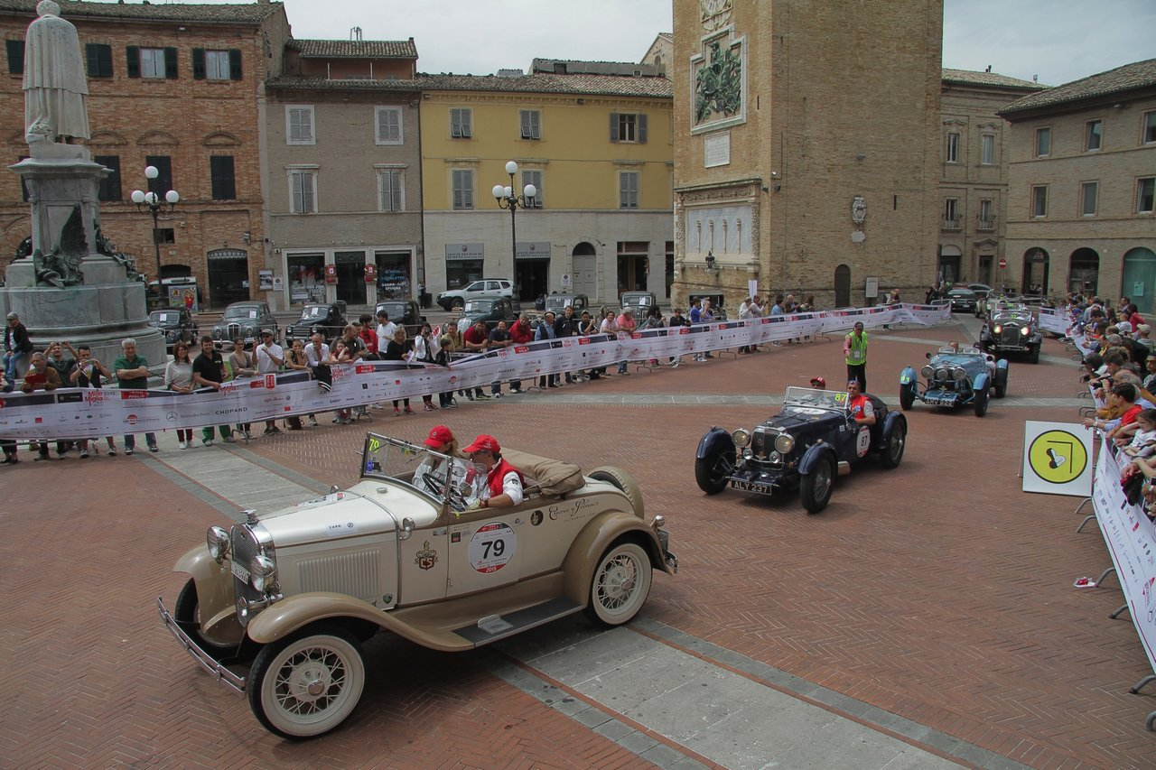 1000-mille-miglia-2015-section-2-tappa-0-100-39