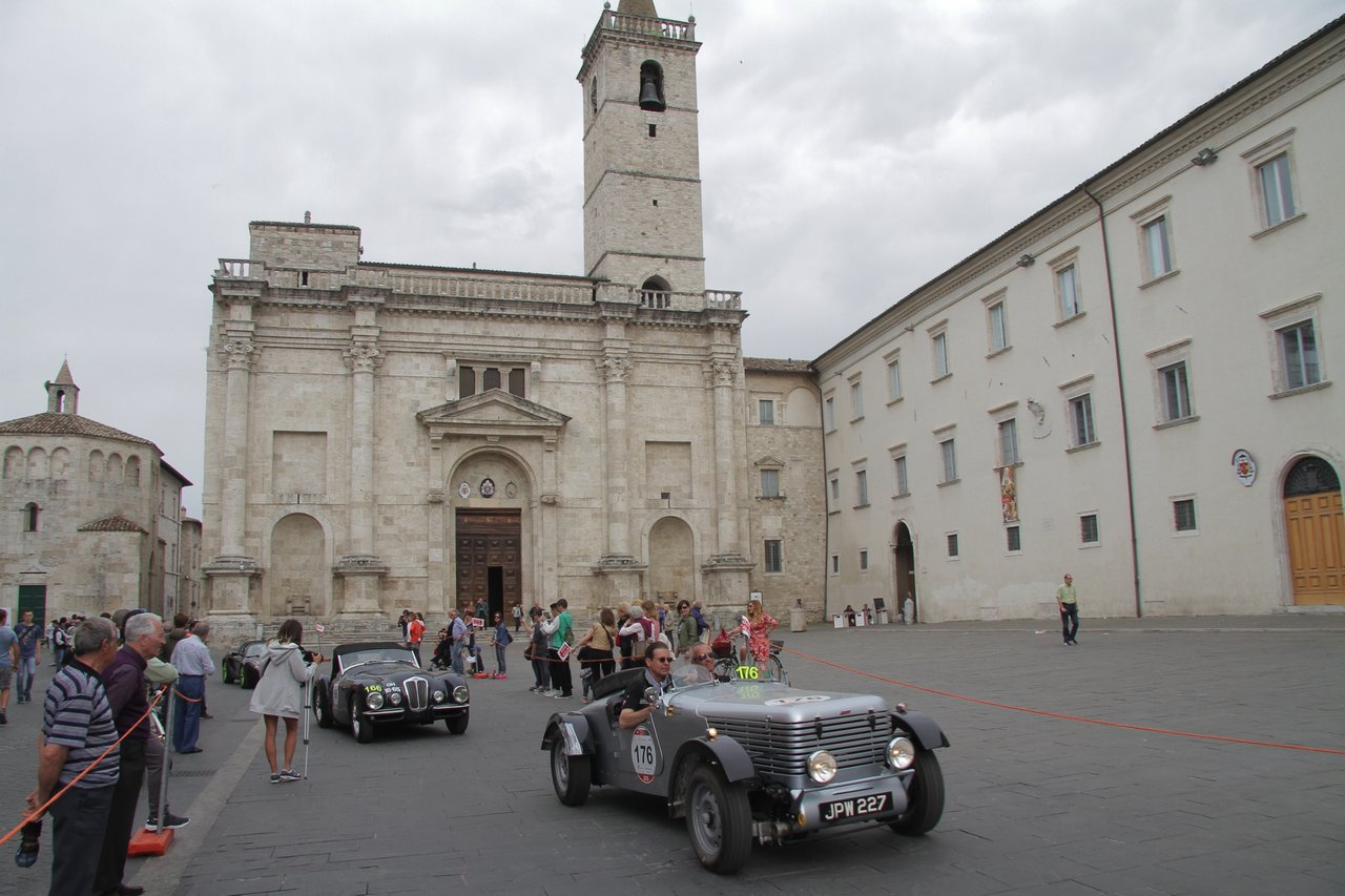 1000-mille-miglia-2015-section-2-tappa-0-100-47