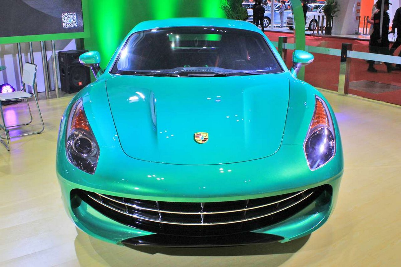 suzhou-eagle-carrie-supercar-elettrica-made-in-china-porsche-cayman-ferrari-california-0-100-3