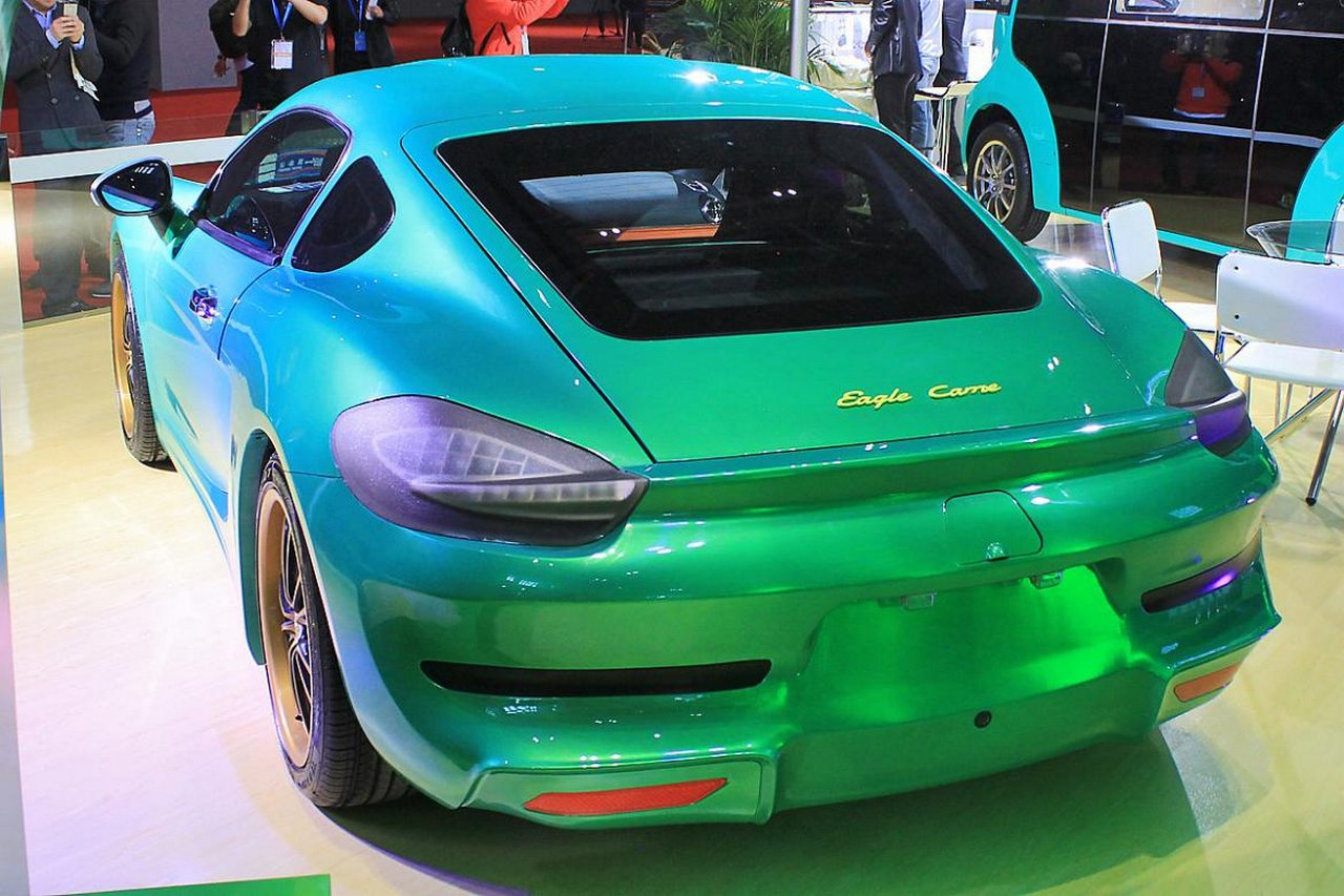 suzhou-eagle-carrie-supercar-elettrica-made-in-china-porsche-cayman-ferrari-california-0-100-4